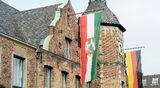 Surunauhoja Düsseldorfin kaupungintalon edustalla 24. maaliskuuta.
