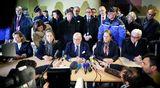 Saksan ulkoministeri Frank-Walter Steinmeier, Ranskan ympäristöministeri Segolene Royal ja Ranskan sisäministeri Bernard Cazeneuve pitivät tiedotustilaisuuden Seynen kaupunkiin perustetussa hätäkeskuksessa.