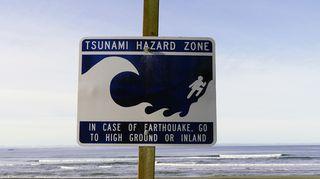 Tsunamivaroituskyltti
