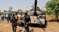 Nigerian joukkojen haltuunottama Boko Haramin käyttämä tankki.