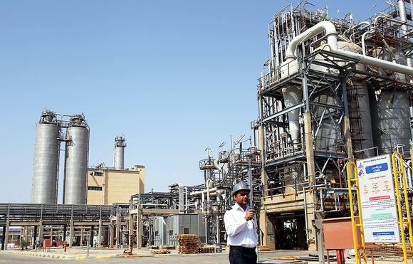 Öljynjalostamo Iranissa.