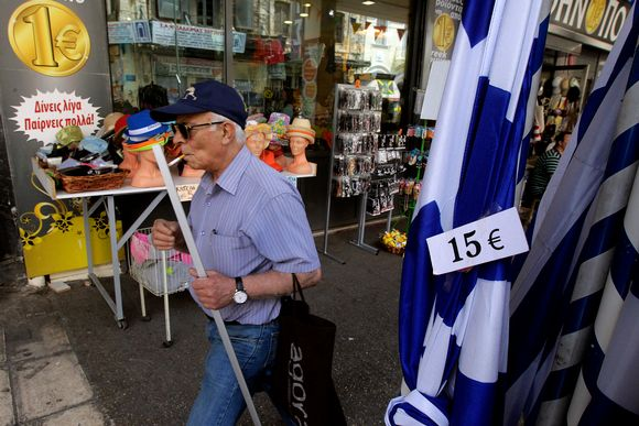Sekatavarakauppa Ateenasssa.