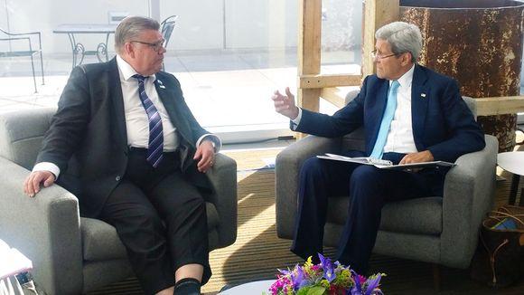Timo Soini and John Kerry