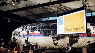 Video: Malaysia Airlinesin koneen uudelleen rakennettu hylky oli esillä, kun hollantilainen tutkijaryhmä julkaisi onnettomuusraporttinsa 13. lokakuuta 2015.