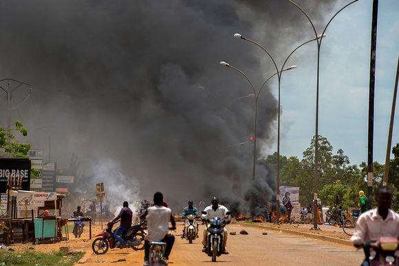 Vallankaappausyrityksen tuoksinaa Burkina Fason pääkaupungissa Ouagadougoussa.