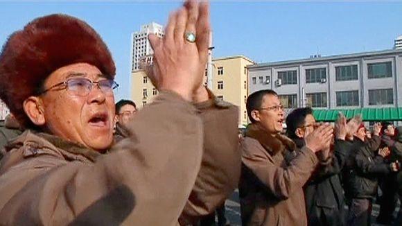 Video: Pohjoiskorealaiset iloitsevat vetypommista