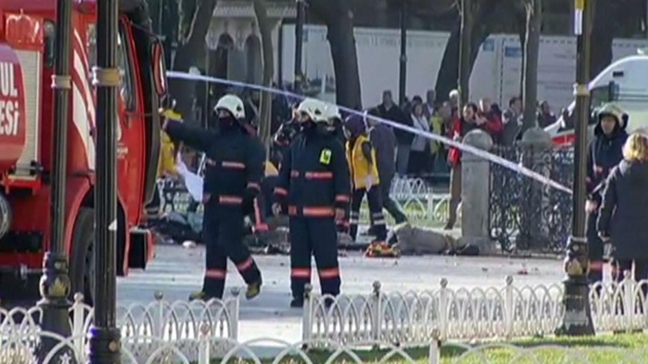 Istanbulin turistialueella räjähti, ainakin kymmenen kuollut – Yle seurasi tapahtumien kulkua ...