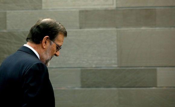Mariano Rajoy lehdistötilaisuudessa 22. tammikuuta, kun hän ilmoitti vetäytyneensä hallituksen muodostajan tehtävästä.