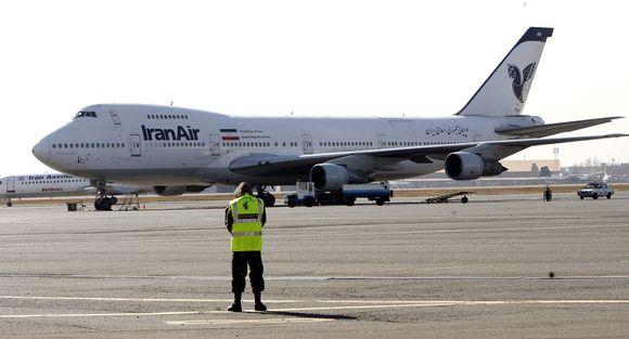 Iran Airin Boeing-kone Mehr Abadin -lentokentällä Teheranissa vuonna 2011.