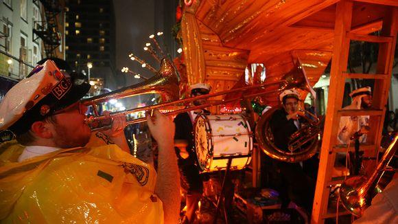 muusikkoja new orleansin kadulla
