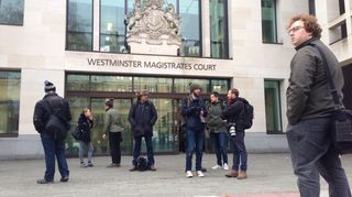 Terrorismirikoksesta epäillyn Suomen kansalaisen tapausta käsitellään oikeudessa Lontoossa.