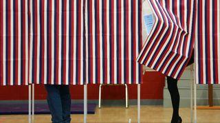 Äänestäjiä Yhdysvaltain esivaaleissa 9.2.2016 New Hampshiressa.