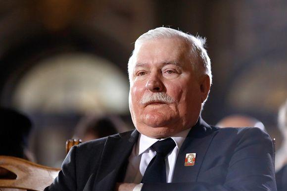Solidaarisuus-johtajaa, entistä presidenttiä Lech Walesaa epäillään taas yhteistyöstä salaisen poliisin kanssa.