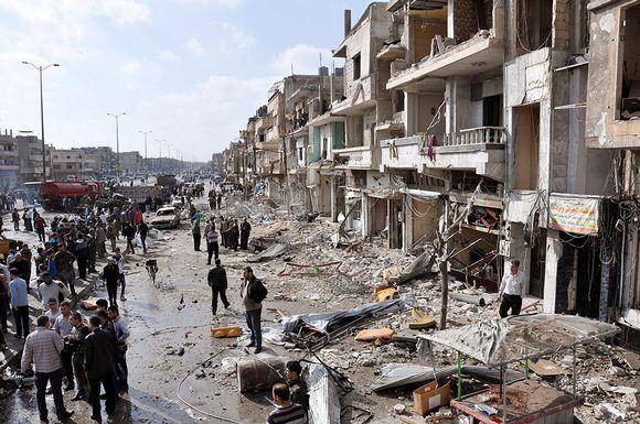 Autopommien tuhoa Homsin kaupungissa