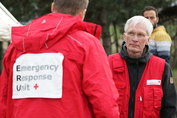 Lastenkirurgi Kari Vanamo Cherson pakolaisleirillä.
