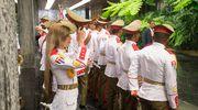 Kuuban armeija soittokunta valmistautuu tervetuliaisseremoniaan.