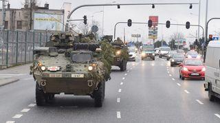 Kaksi Strykeria matkalla kaupunkialueella
