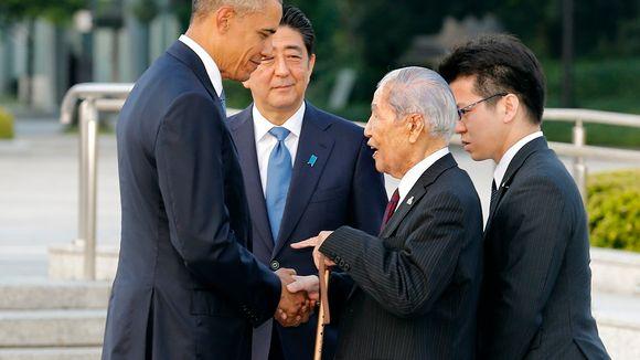 Presidentti Obama tapasi 91-vuotiaan Hiroshimasta selvinneen Sunao Tsuboin.