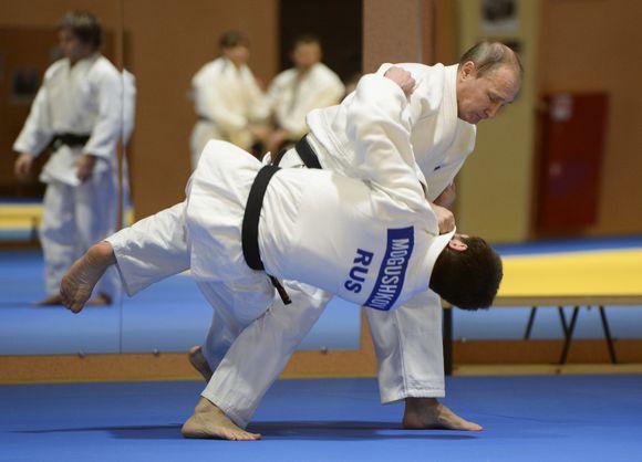 Putin judoharjoituksissa