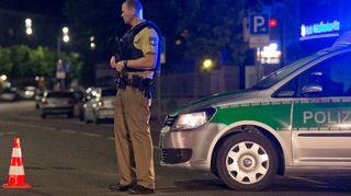 Poliisi turmapaikan luona Ansbachissa 25.7.2016.