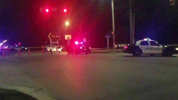 Video: Poliiseja ampumispaikalla Floridan Fort Myersissa.