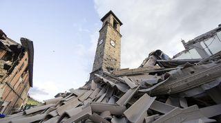 Amatricen kylä maanjäristyksen jälkeen 24. elokuuta.