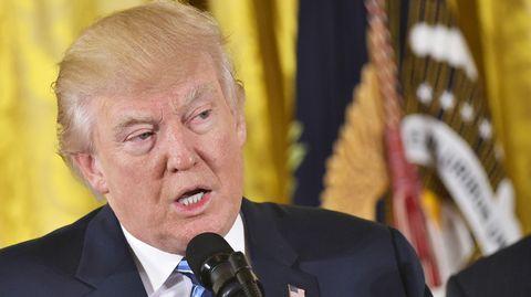Yhdysvaltain presidentti Donald Trump Valkoisessa talossa 22. tammikuuta.