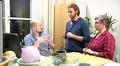 Video: Viittomakielikeskuksen tutkijoita keskustelemassa.