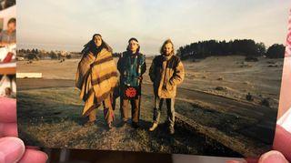 Elämäntapaintiaanit Matterhorn ja Hidaka sekä Ilpo Okkonen Kalajoella aamuhämärissä syyskuussa 1991