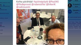 Ruben Stiller, Juhana Vartiainen, Pauli Aalto-Setälä ja kuvaaja Anu Koivunen Twitter-selfiessä.