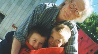 Grand Prix 1999. Kuvassa olen Pärnun elokuvajuhlilla poikieni Esan ja Leon kanssa.