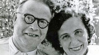 Kuvassa ovat Lenita Airiston vanhemmat Reino ja Alli Airisto.