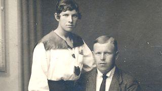 Isovanhemmat Aleksanteri ja Hilja opettivat Kirstin tekemään hyväntekeväisyystyötä.
