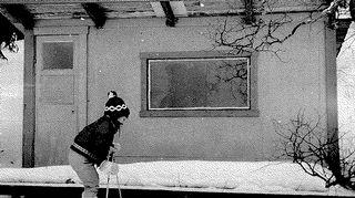 Kirsti sanoo hiihtäneensä jo ennen kuin kunnolla osasi kävelläkään.