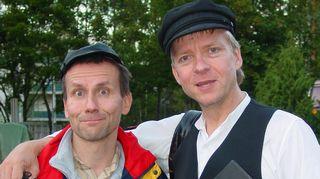Ilkka Aaltonen kirjoitti kolme näytelmää kesäteatteriin espoolaiselle Teatteri Hyökyvuorelle vv.2003-2008 ystävänsä Ilkka Pollarin kanssa.