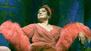Laulamista Lilli Paasikivi ei johtajakaudellaankaan ole jättänyt. Kuvassa yksi hänen mielirooleistaan, Verdin Aidasta prinsessa Amneris.