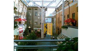 Arkkitehti Benito Casagrande on suunnitellut useita Turun tunnettuja rakennuksia kuten esimerkiksi ostokeskus Hansakorttelin, joka sijaitsee Turun torin kupeessa.