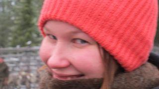 Kuvassa on Markus Maulavirran 20-vuotias tytär Iida-Ilona vuonna 2012, kun isä ja tytär työskentelivät yhdessä Lapissa porohommissa koko sesongin ajan.