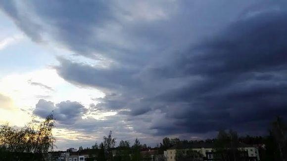 Video: Grafiikka: Pilvet Jyväskylän yllä 22.5.2017 illalla