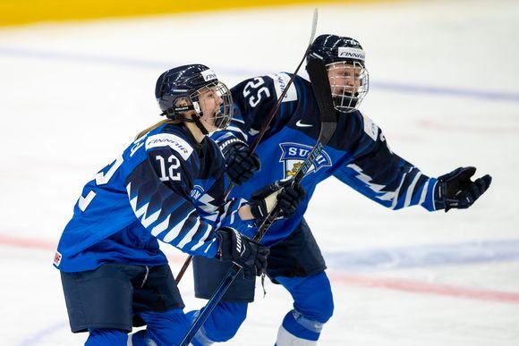 Elisa Holopainen (vas.) ja Viivi Vainikka