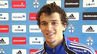 Suomen A-maajoukkueen keskikenttäpelaaja Roman Eremenko