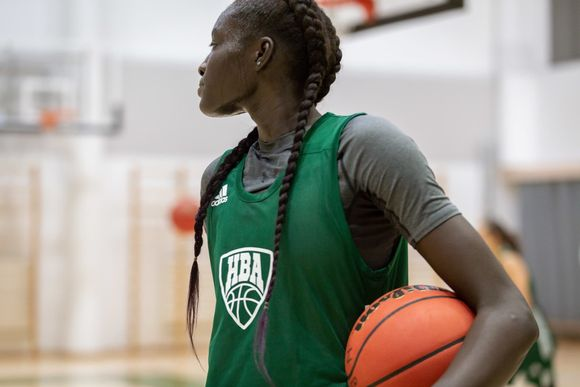 Koripalloilija Awak Kuier koripallotreeneissä