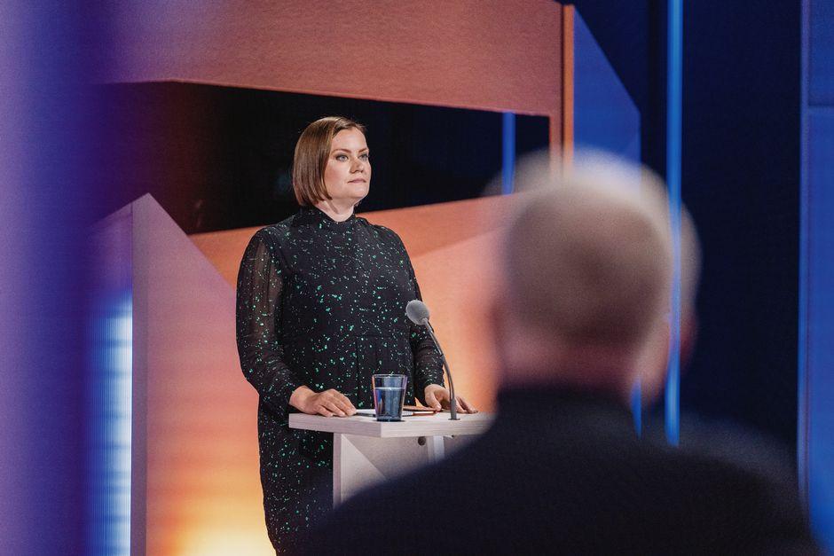 Feministisen puolueen puheenjohtaja Katju Aro.