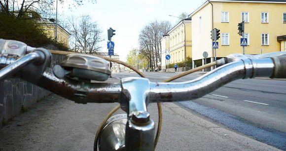 Polkupyörä Hämeenlinnan Viipurintiellä