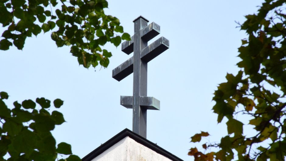 Risti Hämeenlinnan ortodoksikirkon harjalla