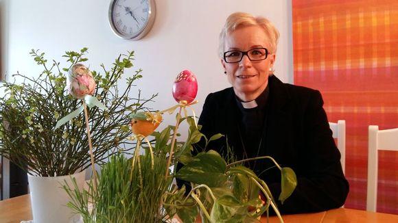 Hämeenlinnalainen Lempäälän seurakunnan seurakuntapastori, filosofian tohtori Päivi Aikasalo