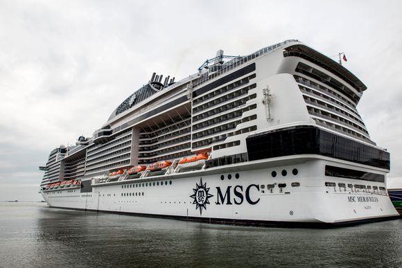Видео: MSC Meraviglia Helsingin Länsiterminaalissa.