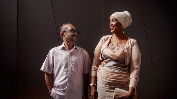 Vuoden 2020 pakolaiset Kordnejad Ebrahimi ja Farhia Abdi.