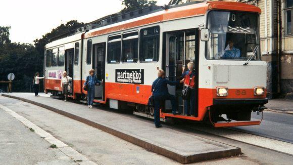 Raitiovaunu Ensi linjalla 1970-luvulla.