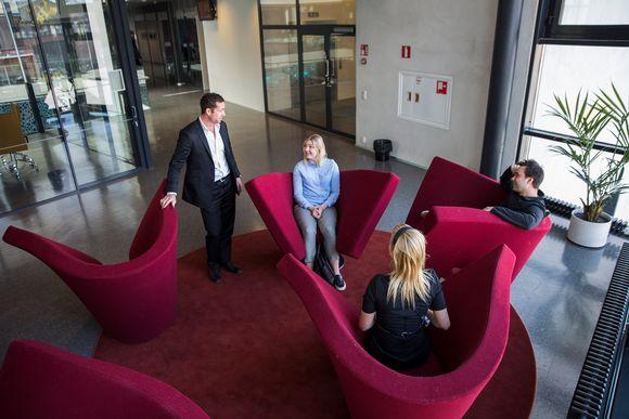 Australialainen Kim Allanson on toinen ensimmäisistä opiskelijoista, jotka maksavat Suomessa opiskelustaan lukukausimaksuja.